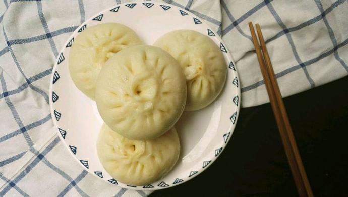鹌鹑蛋香菇大肉包