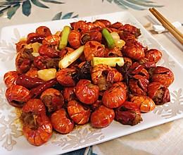 简单且非常好吃的「麻辣小龙虾尾」的做法