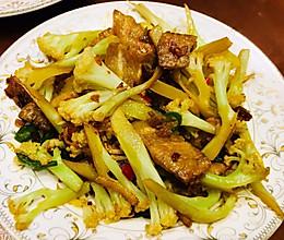 超下饭的菜花炒肉片✌️的做法