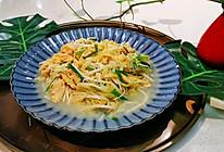 【金针菇韭黄炒蛋】营养搭配-蜜桃爱营养师私厨的做法