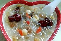 懒人银耳莲子桂圆红枣汤的做法