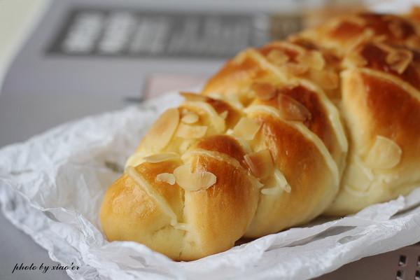 杏仁辫子面包(汤种,一次发酵)