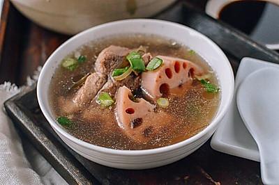 莲藕排骨汤 | 一碗鲜美的暖汤