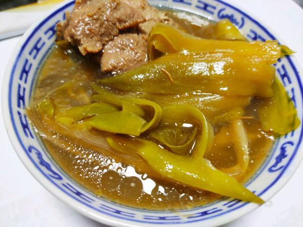 广东靓汤:霸王花煲沙骨的做法