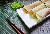 """春饼卷菜(饺子皮版)#一""""汽""""呵成,蒸的创意大赛#的做法"""