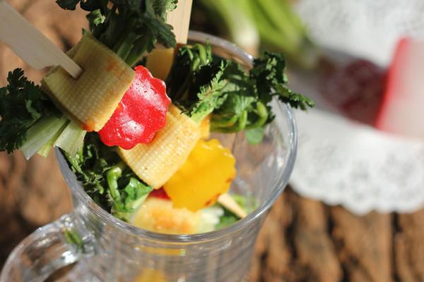 利仁电饼铛试用之香菜豆皮卷的做法