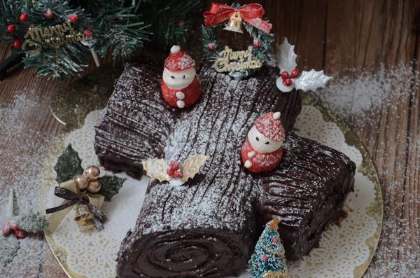 圣诞树干蛋糕