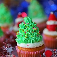 #令人羡慕的圣诞大餐#圣诞草莓杯子蛋糕