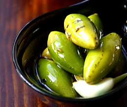 Green Olives with Fennel的做法