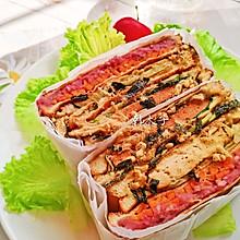 鸡胸肉紫薯芋泥肉松火腿蔬菜三明治(豪华版)