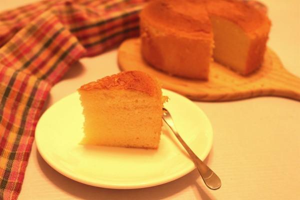 像云朵样柔软的海绵蛋糕