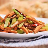 芹菜炒香干-迷迭香的做法图解8