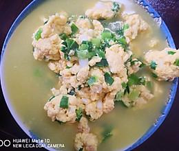 餐桌上的春日限定:香葱炒蛋的做法