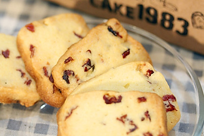 蔓越莓饼干的做法(烤箱做饼干)