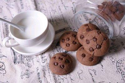 集酥松的奶油和香醇的巧克力于一身,它就是巧趣多饼干