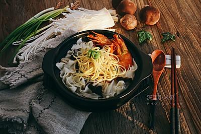 方便快捷的菌汤面条