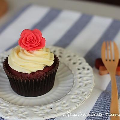 献给最爱的TA - 红丝绒纸杯蛋糕