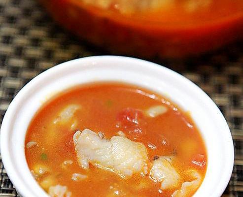 番茄炖鲈鱼的做法