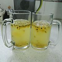 蜂蜜百香果柠檬水