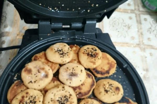 芝麻红薯饼的做法