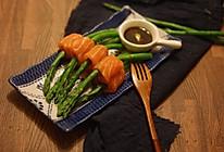 三文鱼卷芦笋的做法