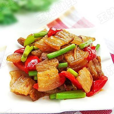 蒜苔香辣回锅肉