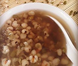 【美容瘦身降火】绿豆薏仁汤的做法