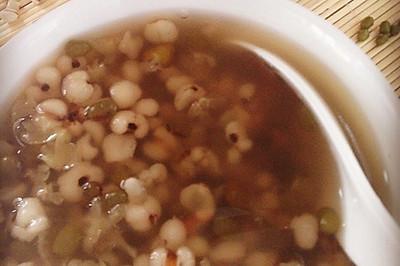 【美容瘦身降火】绿豆薏仁汤