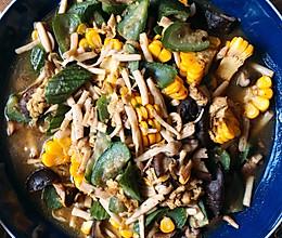 鲜掉鼻子的丝瓜菌汤的做法
