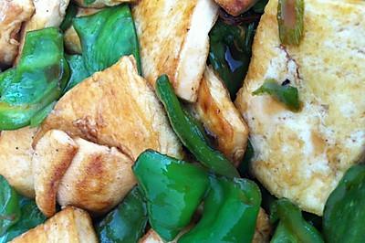 家常豆腐炒有机青椒
