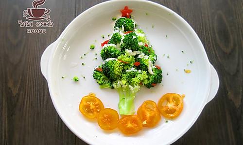 今年圣诞会下雪——圣诞雪树沙拉的做法