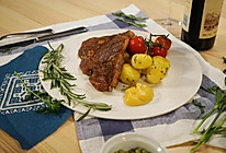 法式煎牛排配迷你小土豆的做法