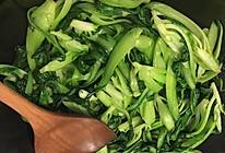 【鱼小厨:炒】蒜瓣炒青菜的做法