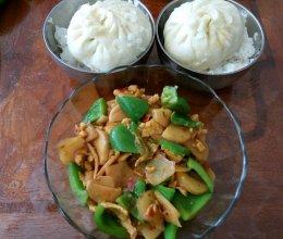 杏鲍菇土豆片炒鸡蛋的做法