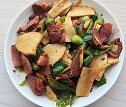 滑嫩嫩的杏鲍菇炒腊肉的做法