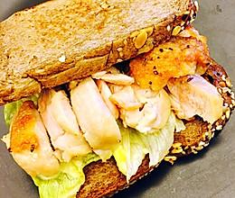 香煎鸡腿芝士三明治的做法