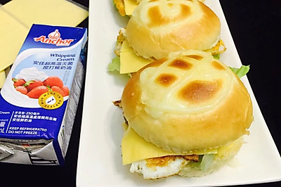 #安佳儿童创意料理#快手早餐汉堡包