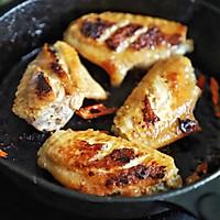 最简单的鸡翅便当:香辣脆皮鸡翅,一腌一煎搞定的做法图解3