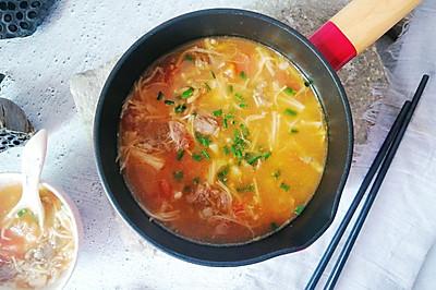快手番茄牛肉汤,5分钟上桌,汤鲜肉滑