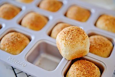 椰蓉米面包-简直是我做过的最简单最美味的小餐包