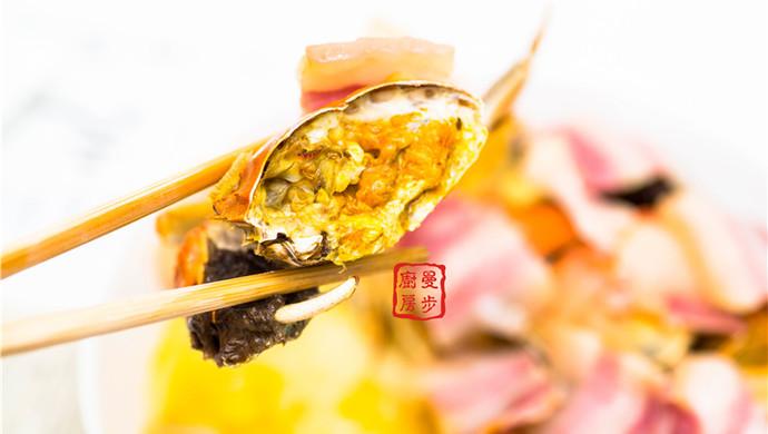 家常菜系列 - 咸肉蒸大闸蟹