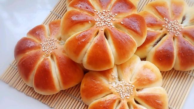 豆沙花朵面包(无黄油)的做法