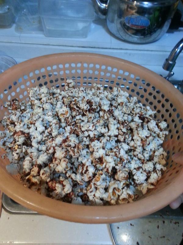 不粘锅版巧克力爆米花(黄油版,也可用食用油替代)超级香甜!的做法