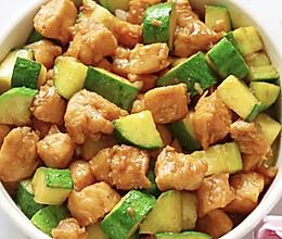 黄瓜鸡胸肉(低卡减脂餐)的做法