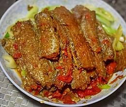 自制蒜蓉辣酱焖烧带鱼的做法