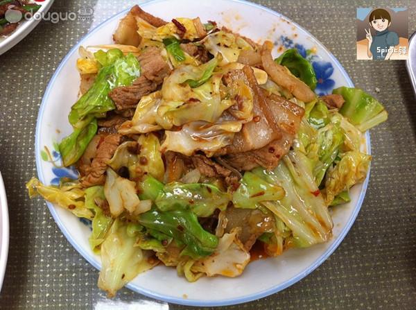 超级下饭的圆白菜炒肉的做法