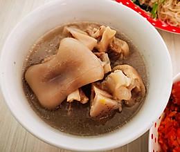 私家猪蹄莲藕汤的做法