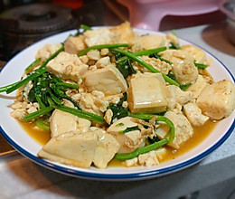 特色家常菜菠菜炒豆腐的做法