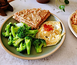 #换着花样吃早餐#快手花样营养早餐 胡萝卜煎饼的做法