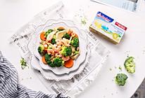 均衡营养~黄油西兰花鲜菇炒虾仁的做法